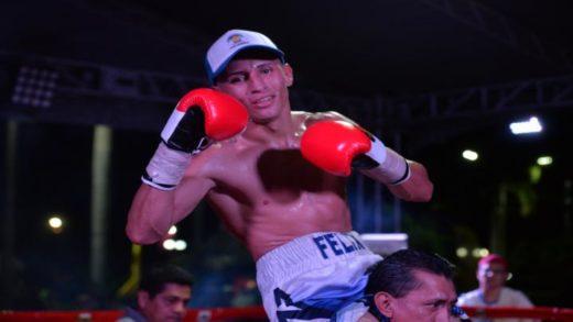 Félix 'El Gemelo' Alvarado gana y sigue en su búsqueda de ser campeón mundial