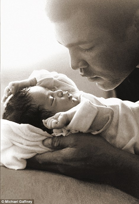 Mientras su etapa en Miami Beach, Florida, Verónica y Muhammad tuvieron a su segunda hija Laila.