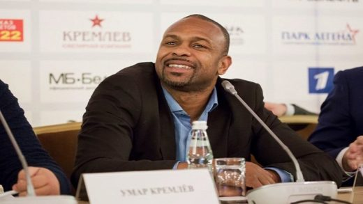 """KHAN DEBE DISCULPARSE CON LOS FANÁTICOS"", DICE ROY JONES JR."