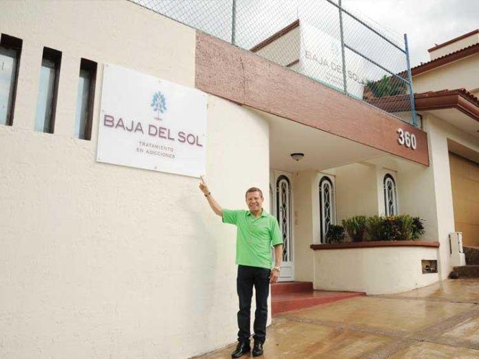 Julio César Chávez inaugura su Clínica de Rehabilitación