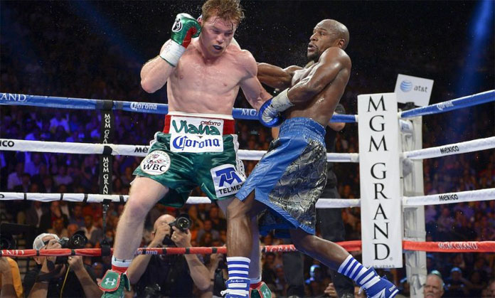 Canelo Álvarez in action vs Floyd Mayweather (Getty Images)