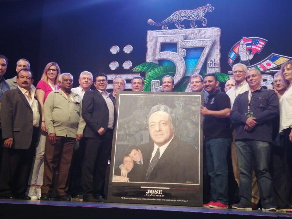 Homenaje y Retrato de Don José Sulaimán (Photo By Jorge Milhe)