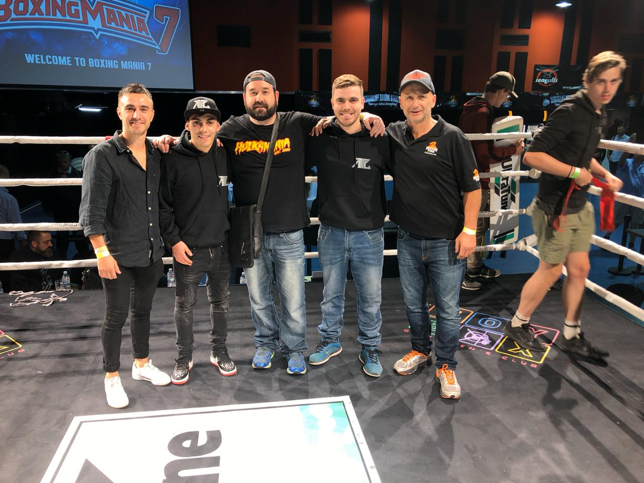 Andrés Campos and his whole team including Tony Tolj (Fotografía cortesía Nicholas Martínez)