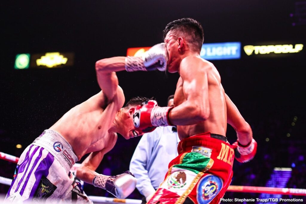 Leo Santa Cruz & Miguel Flores (Photo By Trapp fotos/TGB)
