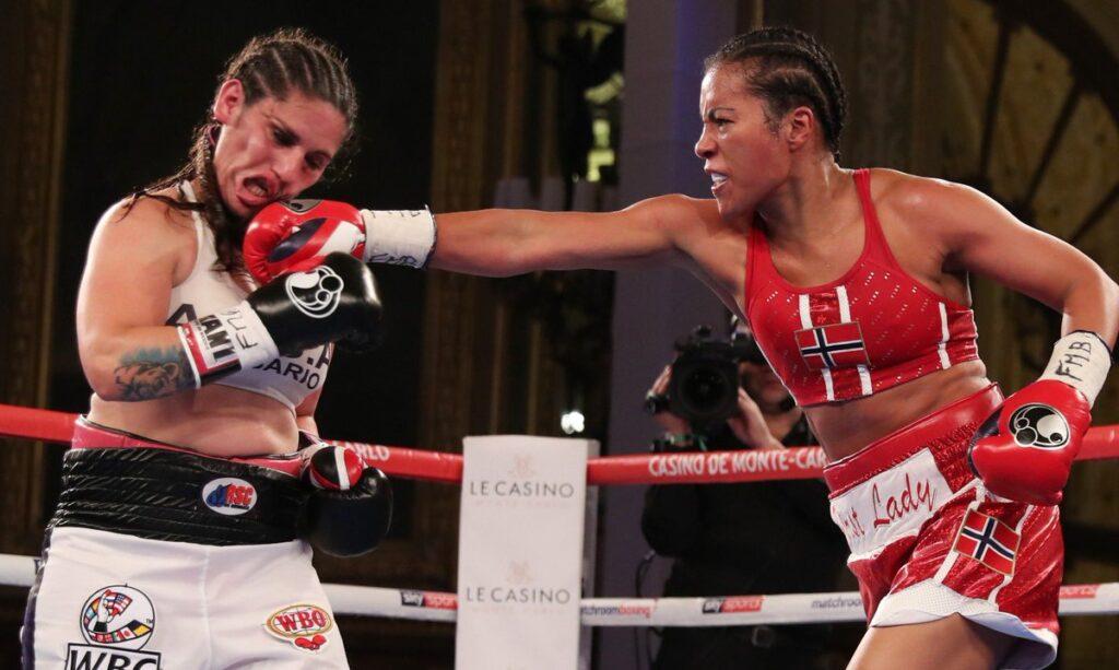 Victoria Bustos & Cecilia Braekhus (Matchroom Boxing)