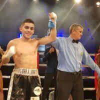 Andrés Campos luego de su victoria ante Ritesh Gaunder (Fotos cortesía Nicholas Martínez)