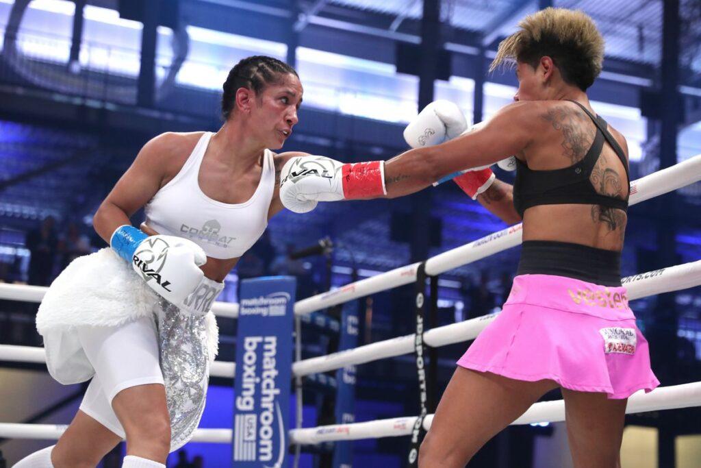 Amanda Serrano & Simone Da Silva (Ed Mulholland/Matchroom Boxing)