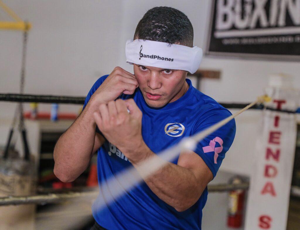 Orlando 'Zurdo de Oro' González (Foto All Star Boxing))