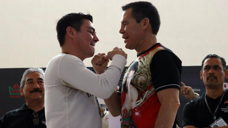 Jorge 'Travieso' Arce & Julio César Chávez (Foto Cortesía)