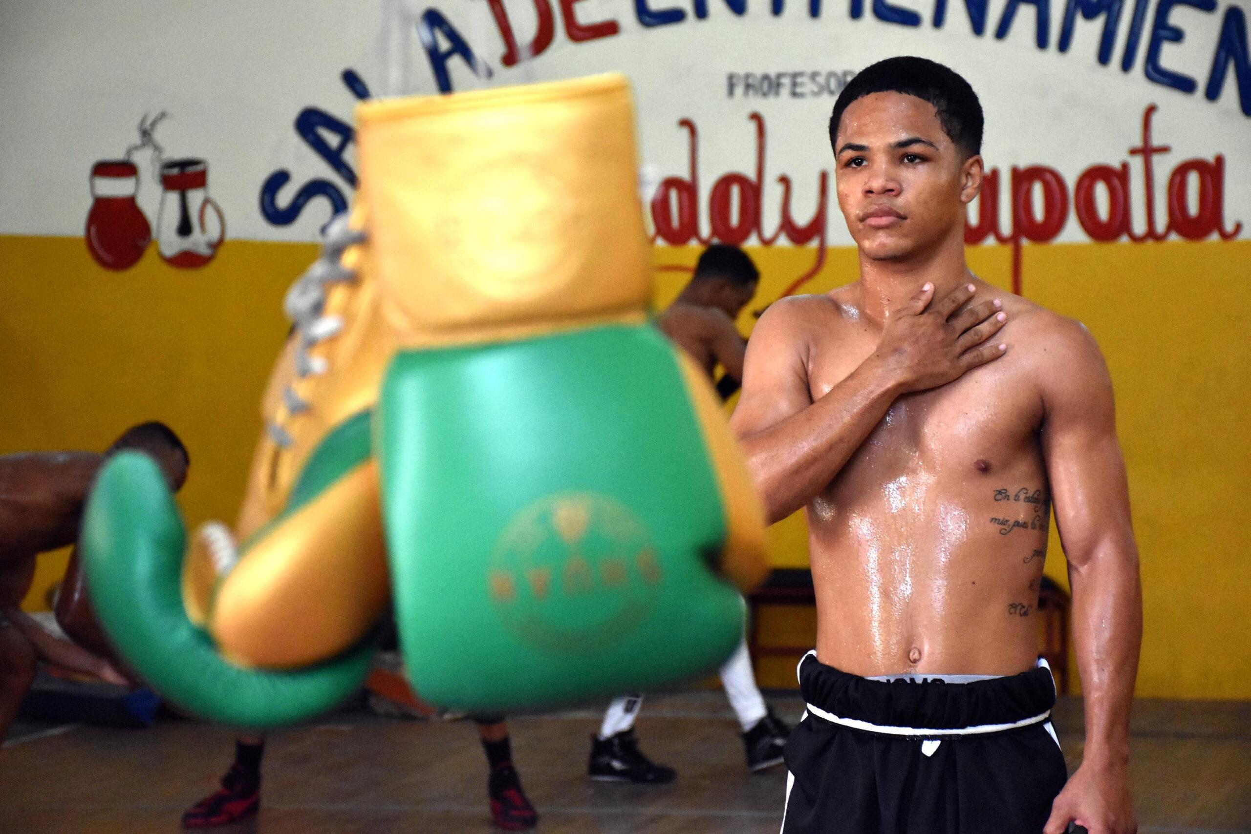 ERICK 'MINI PACMAN' ROSA CALIENTA LOS MOTORES PARA SU DEBUT PROFESIONAL -  Noticas de Boxeo | Resultado de Peleas de Boxeo